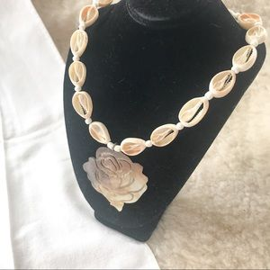 Jewelry - Vintage Hawaiian Carved Shell Necklace/Choker